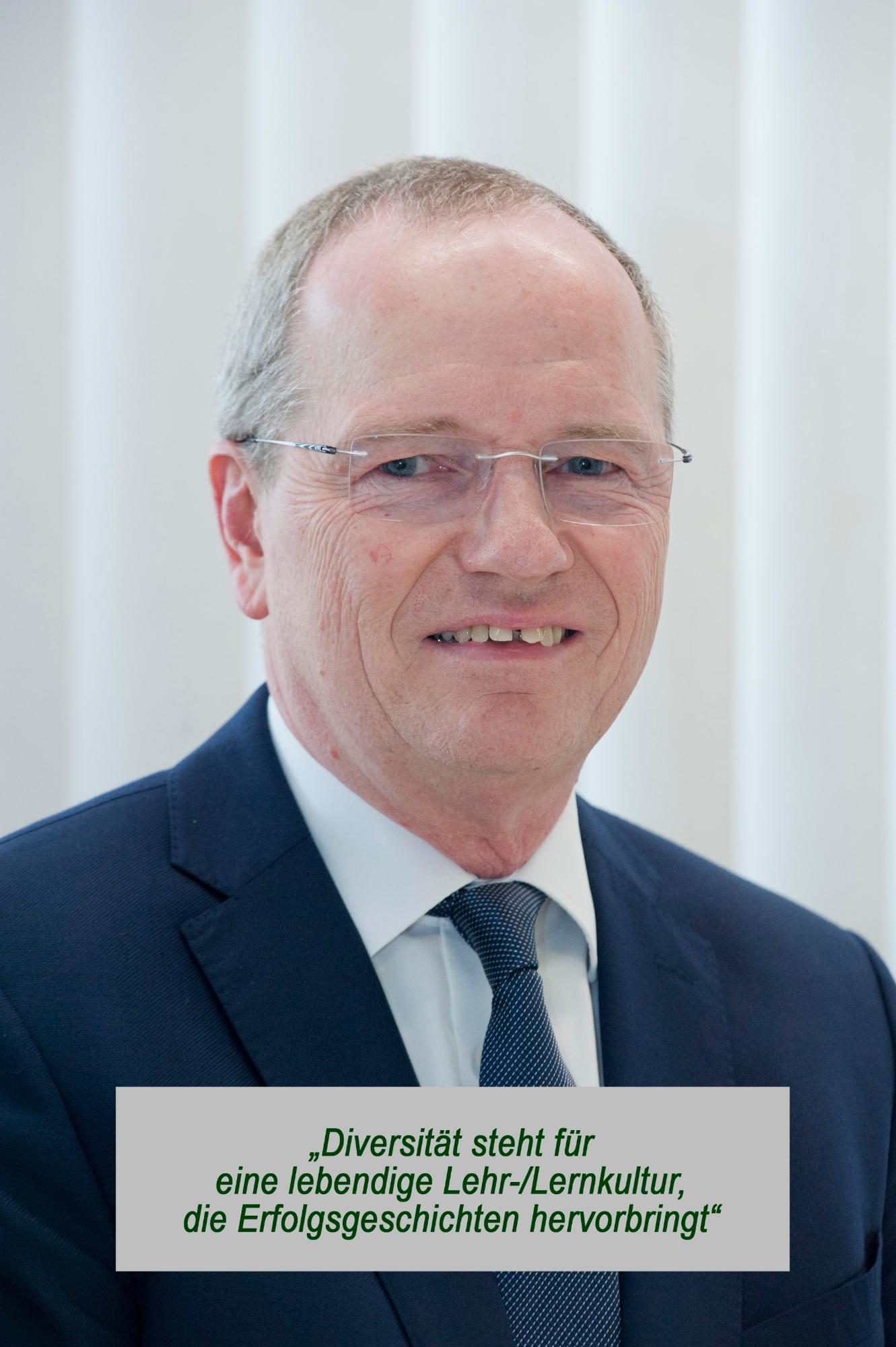 Prof. Dr.-Ing. Hansgeorg Binz, Prorektor Lehre und Weiterbildung