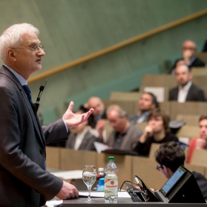 Prof. Thomas Ertl, Prorektor für Forschung und Wissenschaftlichen Nachwuchs