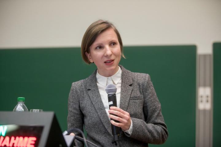 Dr. Magdalena Nieslony (c)
