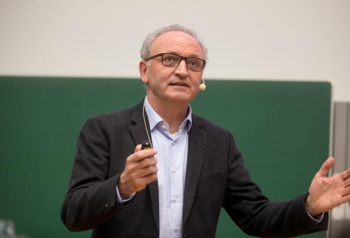 Prof. Rainer Helmig (c)