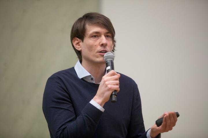 Dr. Tim Langen (c)