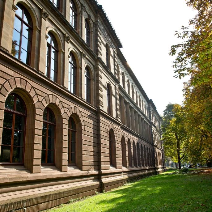 Das Verwaltungsgebäude der Universität Stuttgart in der Keplerstraße