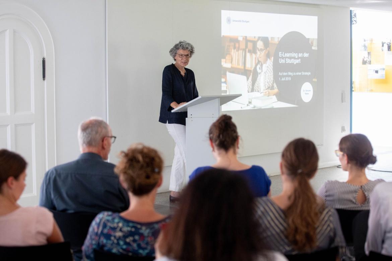 """Dr. Simone Rehm, die Prorektorin für Informationstechnologie, betonte: """"Wir sind eine Präsenzuniversität und wollen dies auch bleiben."""" (c)"""