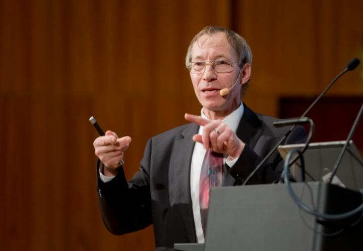 Prof. Konrad Wegener, Leiter des Instituts für Werkzeugmaschinen und Fertigung an der ETH Zürich. (c)