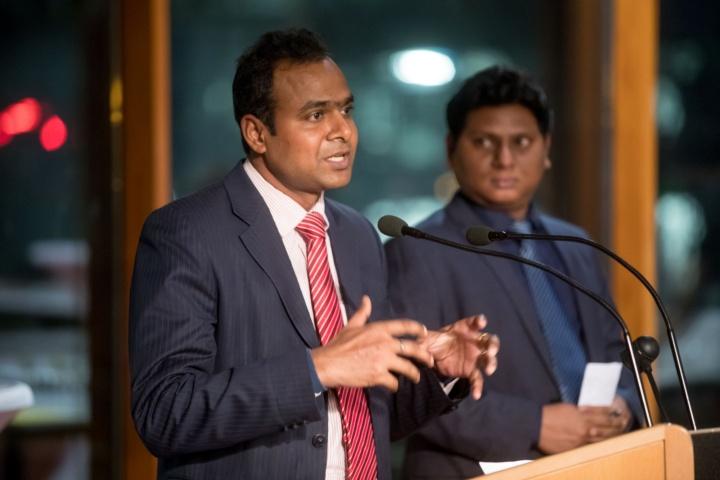 Die Humboldt-Stipendiaten Prof. Jaya Narayana Sahu (links) und Prof. Md. Ashiq Ur Rahman finden die Unterstützung vom Welcome Center sehr hilfreich.