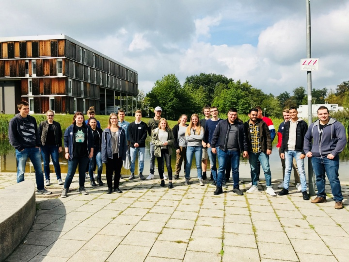 21 apprentices will begin their apprenticeships at the University of Stuttgart in 2018 (c)