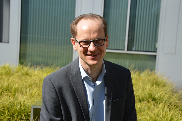 Prof. Ralf Küsters leitet das neue Institut für Informationssicherheit an der Universität Stuttgart. Er ist Experte für Websicherheit, Authentifizierung und Kryptographie.   (c) Roeder