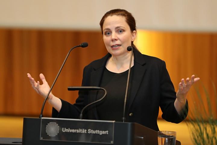 Heikel sei der Einsatz von künstlicher Intelligenz bei der Rechtsprechung oder Kreditvergabe, so Dorn. (c) SBTH / Franziska Kraufmann
