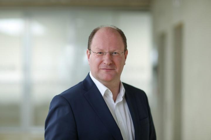 Seit Mitte März leitet Dr. Jürgen Hädrich die Graduierten-Akademie GRADUS.  (c) Regenscheit