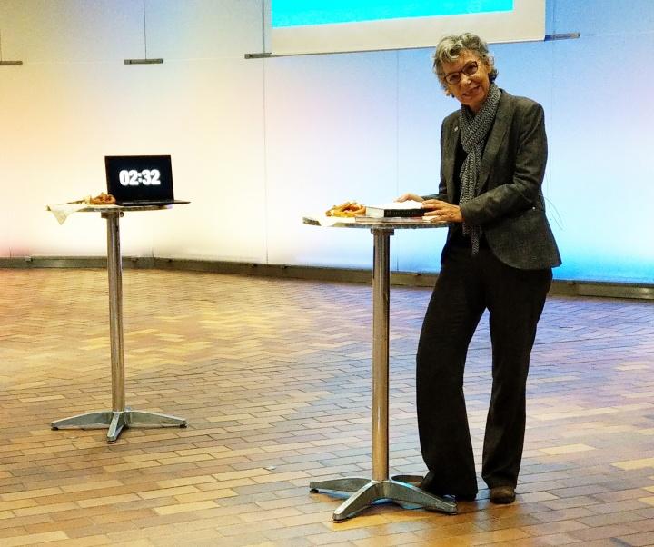 Dr. Simone Rehm stellte das Buch QualityLand vor.  (c)