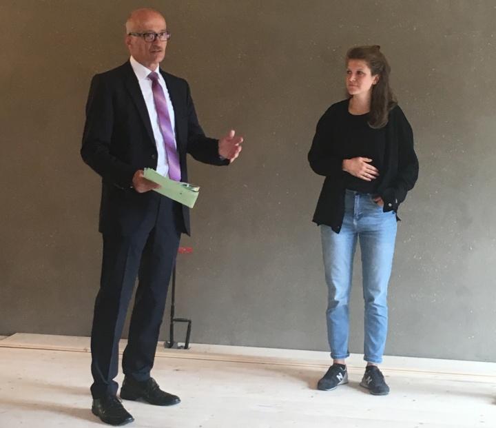 Der Leiter des Sozialamtes der Stadt Stuttgart, Stefan Spatz, freut sich über das nachbarschaftliche Projekt, das viele Nutzungsmöglichkeiten bieten wird. (c)