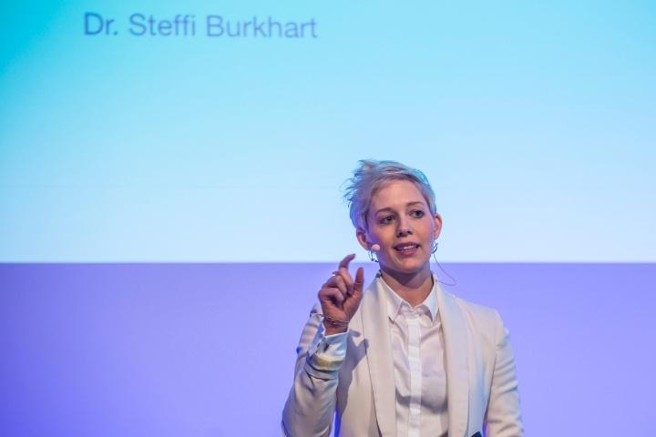 Die 32- jährige Steffi Burkhart gehört zur Generation Y und diskutierte im Rahmen der Veranstaltung über die Bedürfnisse dieser Generation.  (c) Steffi Burkhart