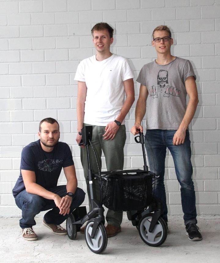 Das Gründerteam mit ihrem ello: Benjamin Rudolph, Max Kessler, Matthias Geertsema (v.l.n.r.) (c) eMovements GmbH