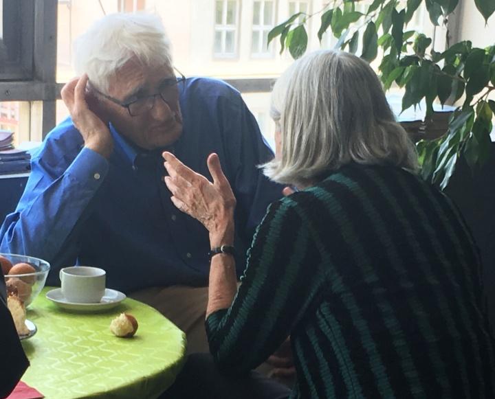 Zwiegespräch zwischen Jürgen Habermas und Jane Mansbridge. (c) Institut für Sozialwissenschaften