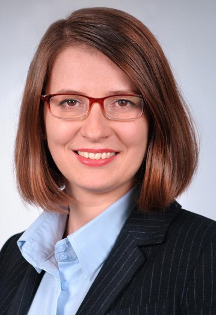 Dr. Gianina Iordachioaia  (c)