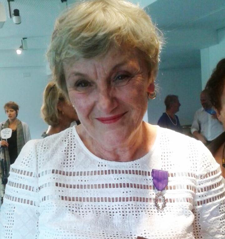 Françoise Joly wurde mit den Palmes Académiques ausgezeichnet, damit ist die Lektorin der Abteilung für Romanische Literaturen der Universität Stuttgart Trägerin der höchsten Auszeichnung Frankreichs für Verdienste um das französische Bildungswesen.  (c)