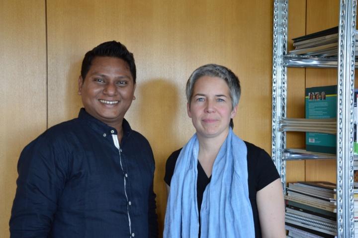 Humboldt-Stipendiat Md. Ashiq Ur Rahman mit Prof. Astrid Ley vom gastgebenden Städtebau Institut. (c) Roeder